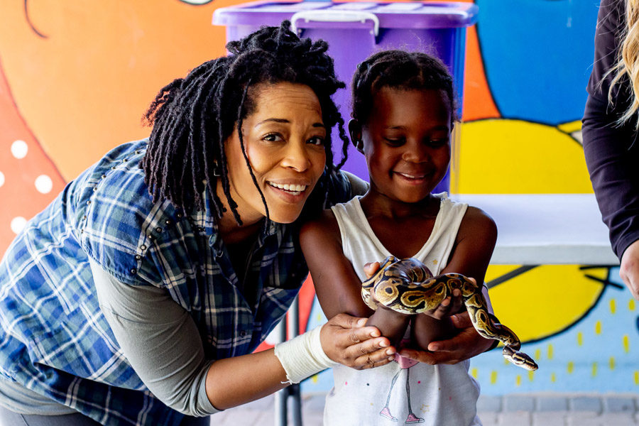 Early Learning Centre visits Giraffe House